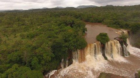 Prata waterfall, at Farinha River - Chapada das Mesas National Park, Carolina, Maranhão, Northeast Brazil