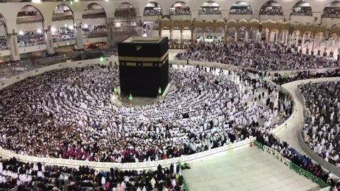 Timelapse of Muslim pilgrims line up for praying (solah) in Makkah, Kingdom of Saudi Arabia.