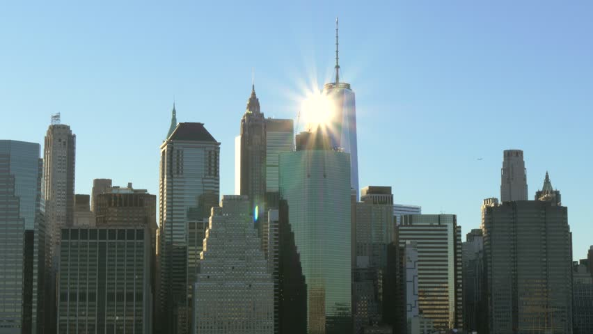 Sun shining off of the One Wold Trade centre | Shutterstock HD Video #1009659803