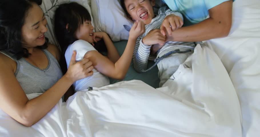 Asian lesbian scissor