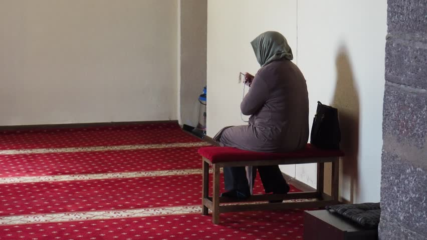 Can a muslim lady pray after watching pornography — pic 11
