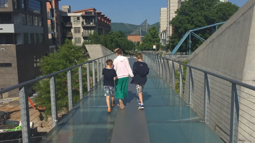 Kids walking on glass bridge in Chattanooga Tennessee | Shutterstock HD Video #1011122513