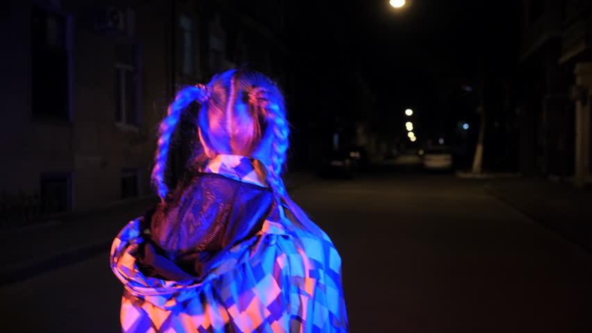 Midnight blue girl in video — img 12