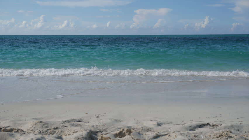 Beach Waves Crashing Stock Footage Video (100% Royalty-free) 1012165193 |  Shutterstock