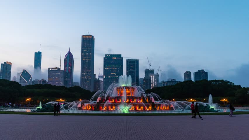 Buckingham Fountain, Chicago Illinois, Chicago Skyline Night Hyperlapse Timelapse Video