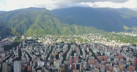 Great Mountain el avila in front of the Caracas City