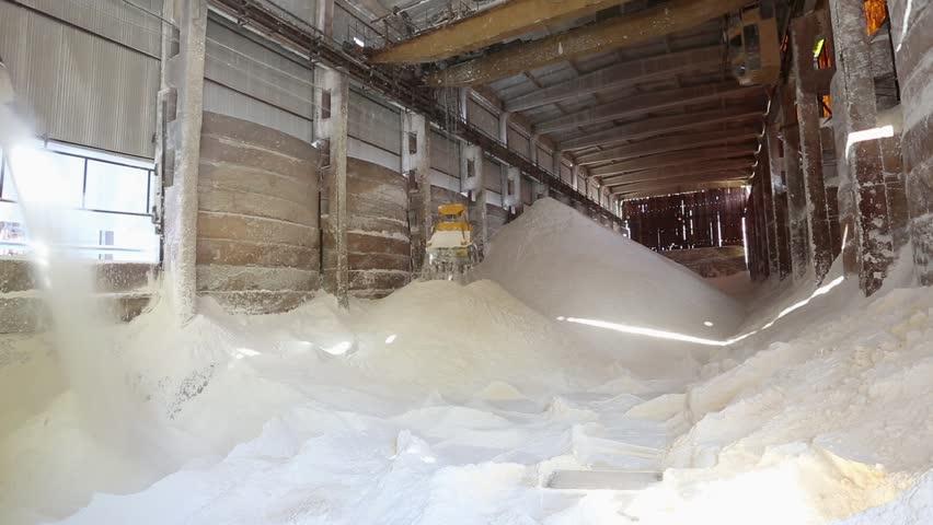Aluminium hydroxide storage facility