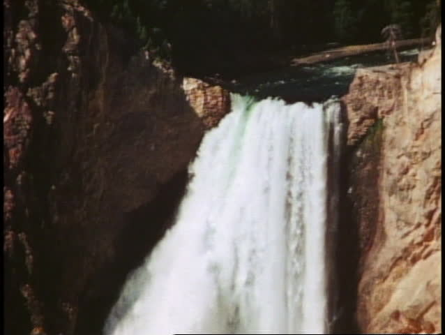 YELLOWSTONE NATIONAL PARK, WYOMING, 1978, Lower Falls, waterfall, tilt down