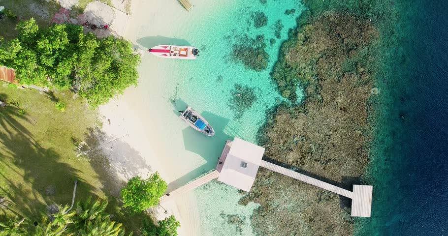 speed boat (outboard) in aerial view