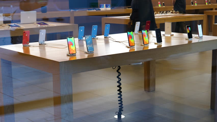 Image result for empty Apple store  - HD Images