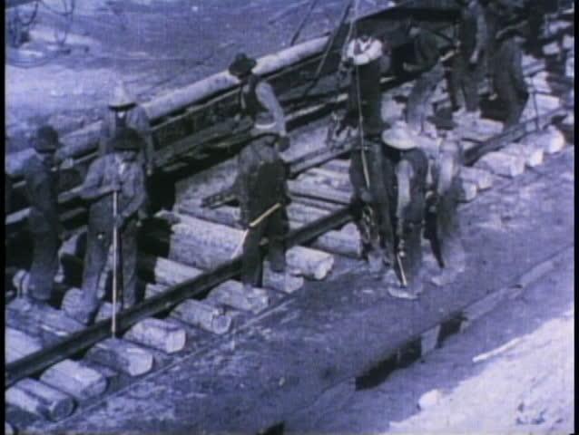 BRITISH COLUMBIA, CANADA, 1910, Laying of the transcontinental railway tracks