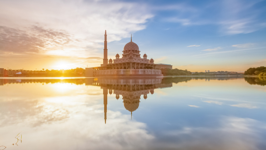 Beautiful Cloudy sunset Time Lapse at Putra mosque by a lake in Putrajaya, Malaysia at dusk. | Shutterstock HD Video #1031433773