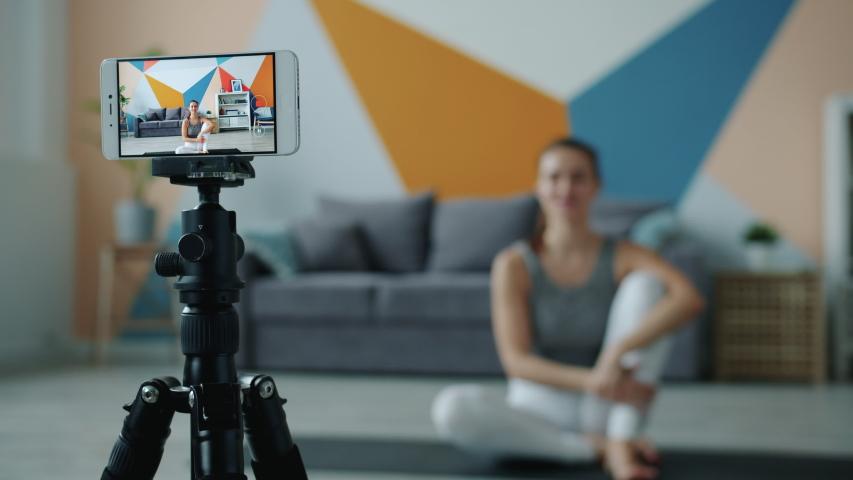 Tips Terlihat Menarik saat Video Call dengan Ponsel