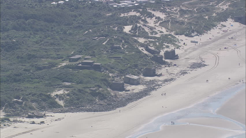 AERIAL France-Wwii Bunkers 2007: Bunkers on Dunkirk Beaches