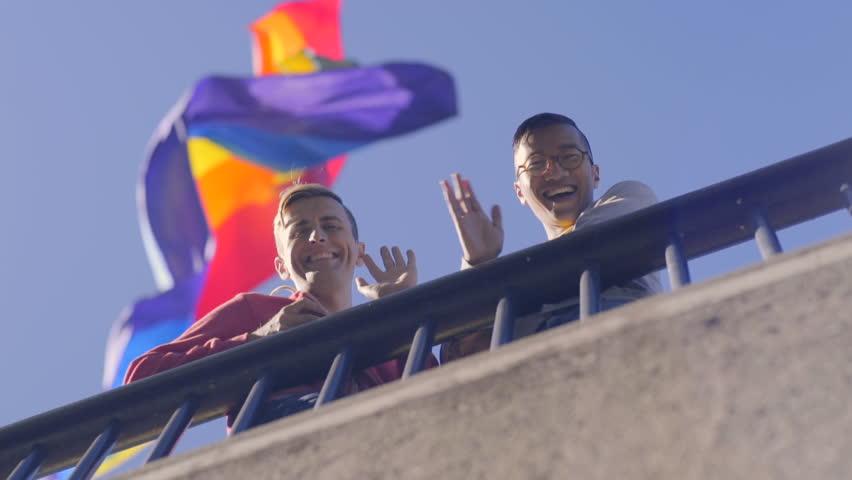 interracial dating gay komunita