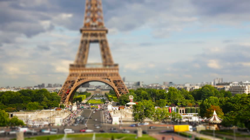 Eiffel tower, Paris. Tilt shift time-lapse