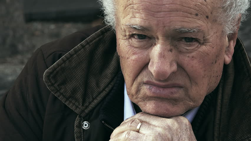 b6644845c874d7 Bored Old Man, Sad Lonely Stockbeeldmateriaal en -video's (100%  rechtenvrij) 13549463 | Shutterstock