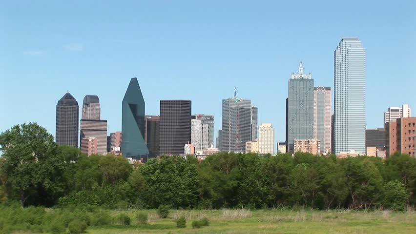 Pan right to the Dallas skyline