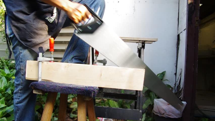 Header of handsaw