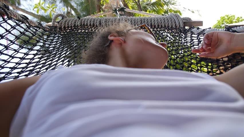girl-fucked-in-hammock-avatar-aang-porn
