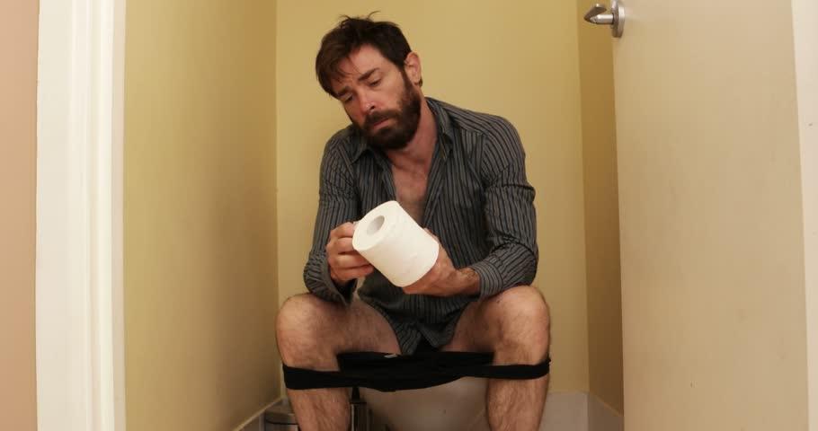 Видео из мужского туалета