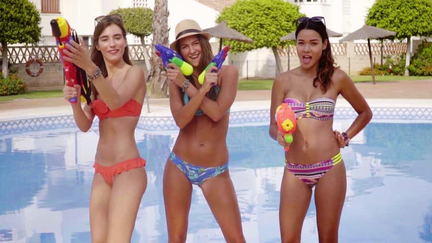 Free clips of bikini girls, latinfreesexvideos