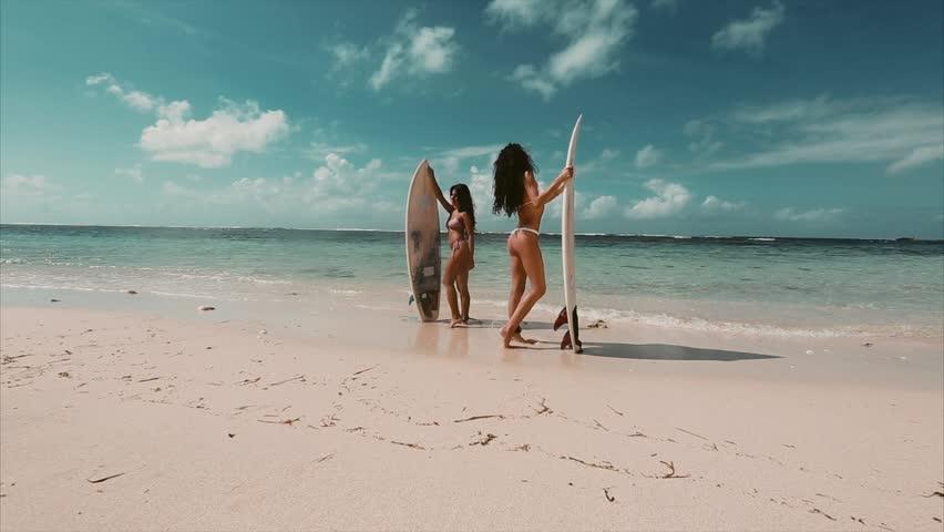 Русские занимаются любовью на берегу моря видео фото 437-178