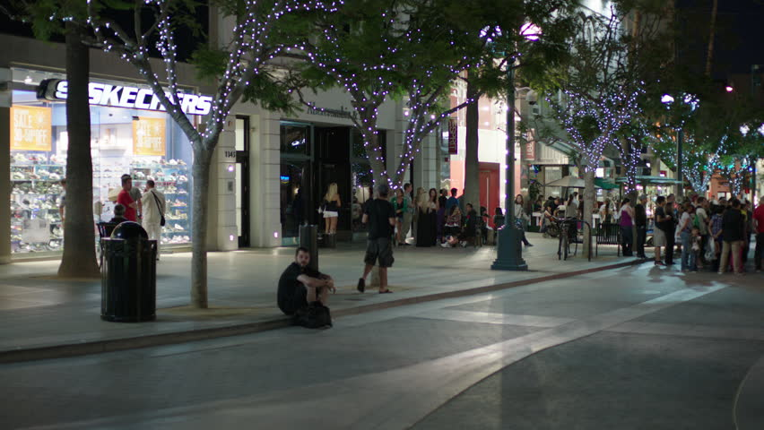3rd Street Promenade Hours >> Magic Hour Right Night Pan Right Over Busy Santa Monica Third