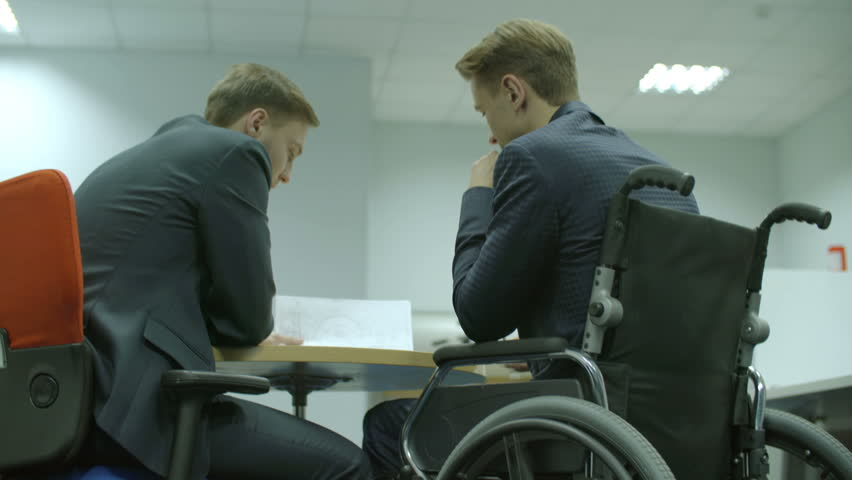 3 in 1 video! The businessman discuss contract in the office. Real time capture