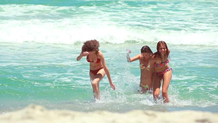 Видео женщин на море фото 615-249