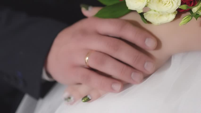 The Groom Wears A Wedding Ring Is Hard To Hand The Bride The