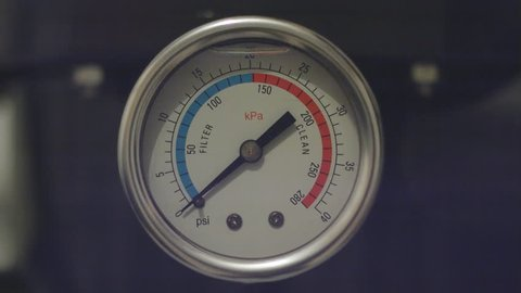 Water pressure gauge arrow up