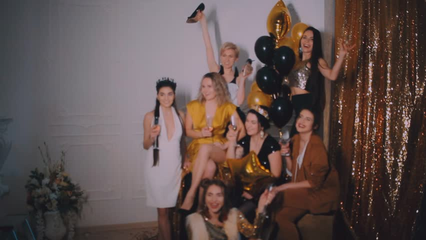 Cheerful sex party with crazy girls - XVIDEOS. COM