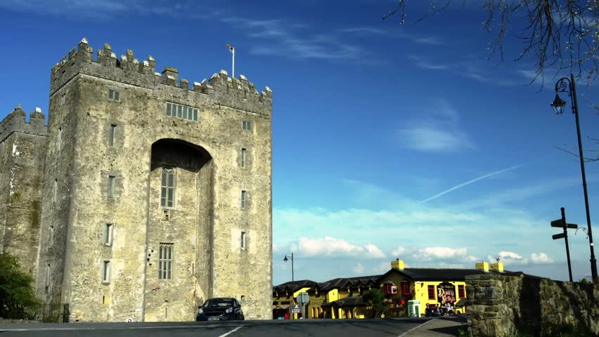 Bunratty Castle and Durty Nelly's Irish Pub, Ireland - Mar 27th 2017: Timelapse Ireland's most famous Castle and Irish Pub in County Clare. Famous tourist attraction. Bunratty Castle and Durty Nelly's