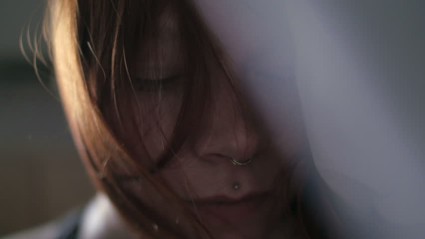 Видео девушка с ремнём на шее фото 190-627