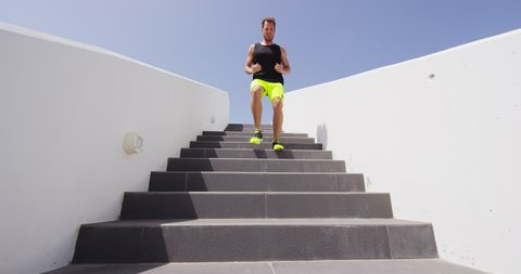Stairs Running Man Doing Run Vidéos de stock (100 % libres de droit