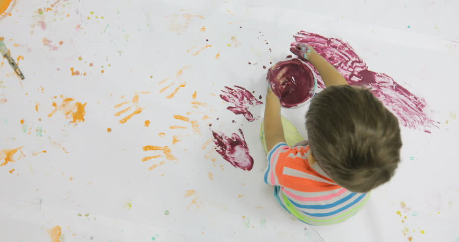 Families, Mums With Kids Paint Together at Master Class