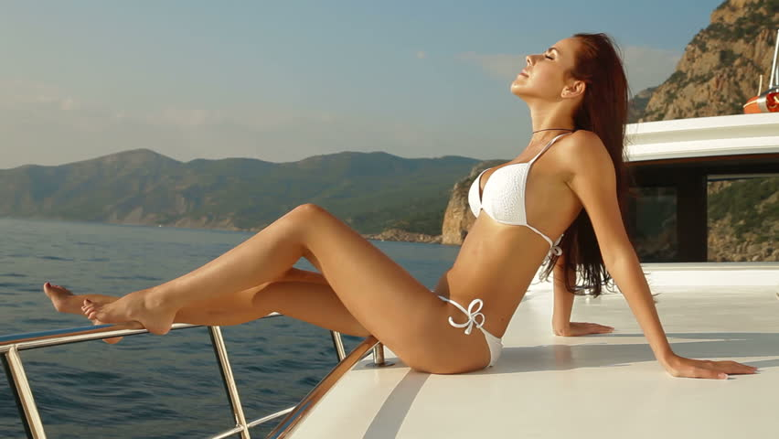 Sailing bikini model