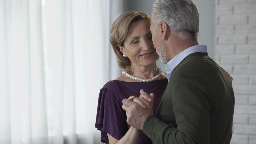 umawianie się z kimś w obawie przed porzuceniem