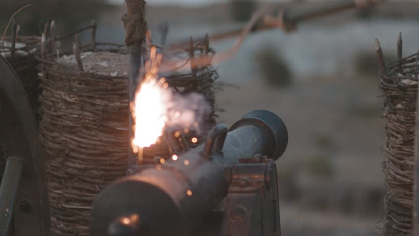 Battle cannon before a shot | Shutterstock HD Video #31008223