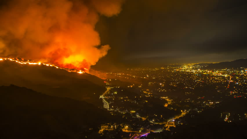 Amazing wildfire time lapse above the city of Burbank, CA
