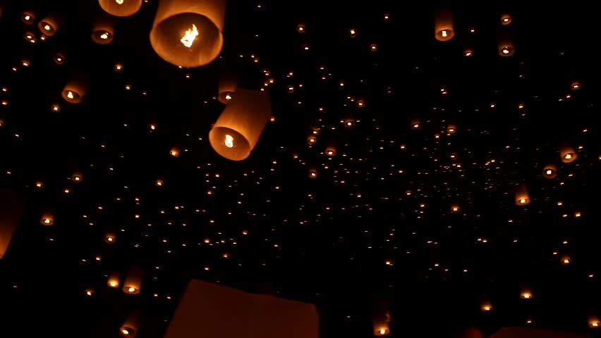CHIANG MAI, THAILAND-NOV 24:Yee Peng Festival - people release floating lanterns to sky for make a wish for the future in Yee Peng Festival on November 24, 2012 in Chiang Mai, Thailand