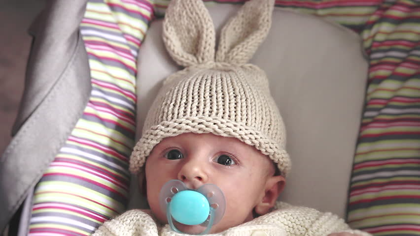 1d296a2bf9f hd00 11Cute Newborn Baby Boy With Bunny Hat