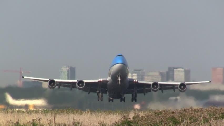 Header of 747