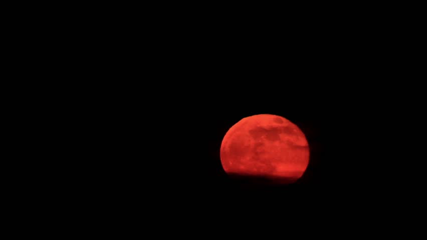 Orange moon rise. Full moon (time Lapse)