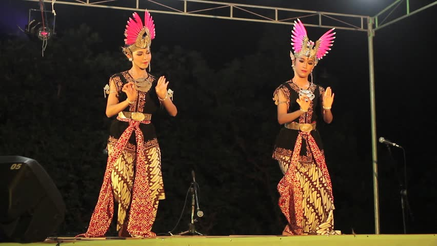 YOGYAKARTA, INDONESIA  - CIRCA 2012: Traditional Javanese Dance, perform from senior high school student.