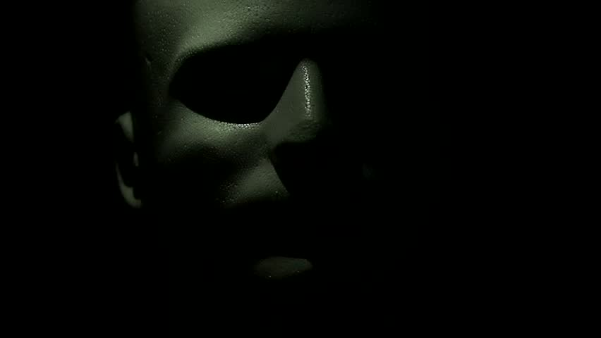 Scary shot of a spooky mannequin head.