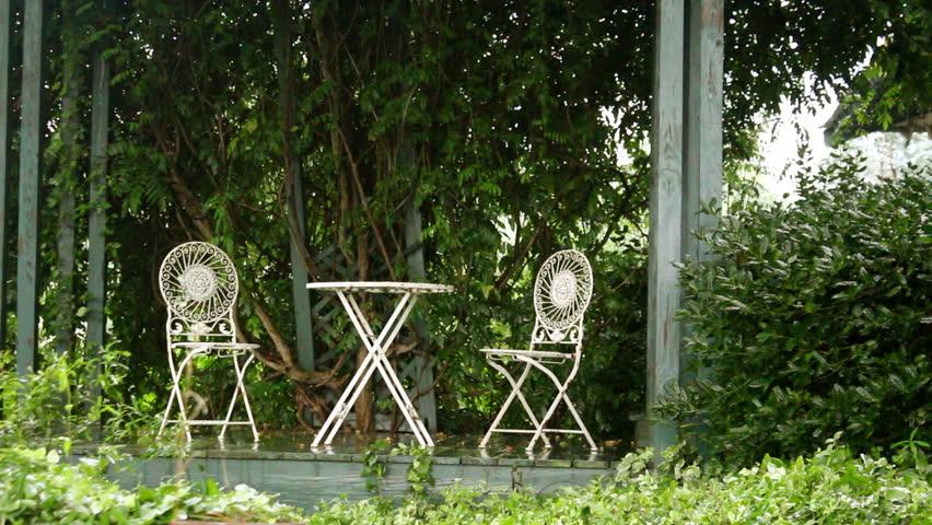 Hd00 15a Beautiful Wrought Iron Patio Furniture Set In Heavy Rain