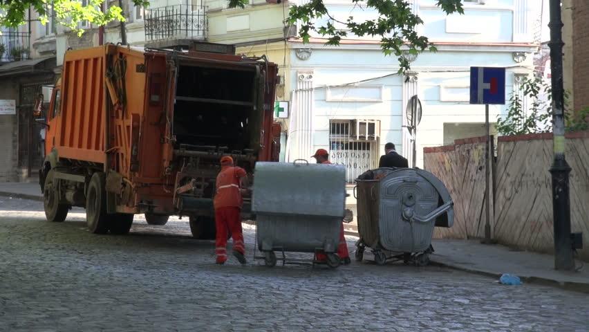 پاکسازی-تفلیس-از-زباله-های-شهری