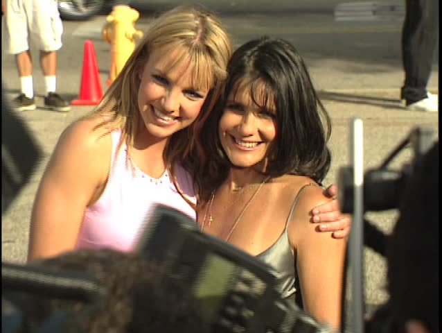 SANTA MONICA - August 1, 1999: Britney Spears and Lynne Spears at the Teen Choice Awards 1999 in the Barker Hangar in Santa Monica August 1, 1999